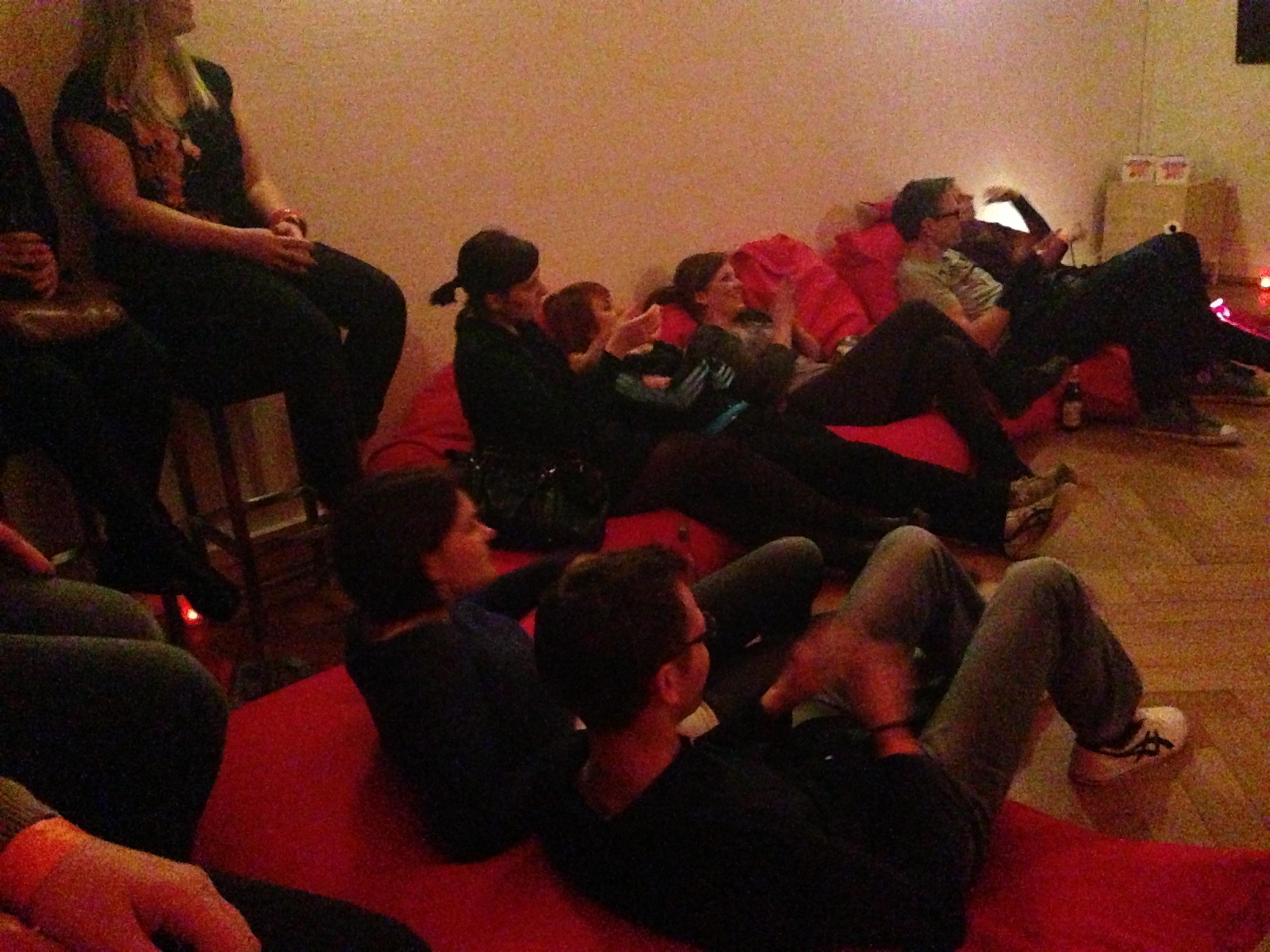 Entspannte Zuhörer